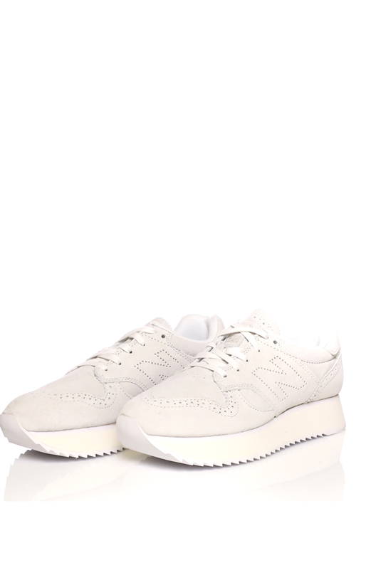 NEW BALANCE-Γυναικεία sneakers NEW BALANCE CLASSICS λευκά aaa0d87a182
